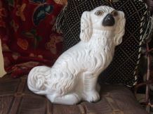 ANTIQUE STAFFORDSHIRE SPANIEL MANTLE DOG RIGHT FACING AMBER EYES RESTORED